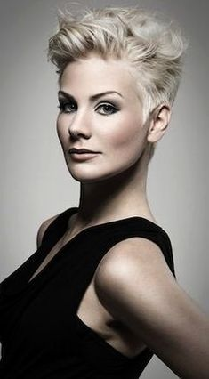 Hår og Make-up: Studio Alf Art Team. Foto: Kenneth Williams Haare und Make-up: Studio Alf Art Team. Short Grey Hair, Short Hair Cuts For Women, Funky Short Hair, Short Blonde, Trendy Hair, Short Cuts, Blonde Hair, Winter Hairstyles, Cool Hairstyles