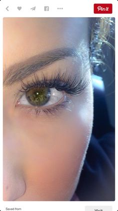 lashes (& I wish my eyes were that color!)