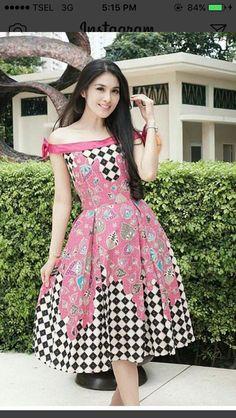Batik Long Dress, Model Dress Batik, Batik Fashion, Tribal Fashion, African Fashion, Traditional Fashion, Traditional Outfits, Simple Dresses, Nice Dresses
