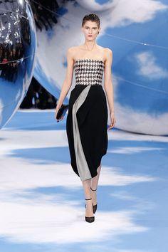 Dior Fashion, Fashion Photo, Runway Fashion, Woman Fashion, Dress Me Up, I Dress, Christian Dior 2014, Miss Dior, Christian Clothing