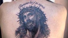 Renaud s'est fait tatouer le Christ sur Orange Actualités