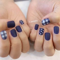 Blue is an elegant and always fashionable color: manicure enthusiasts cannot leave it aside for the next season! What are the most beautiful blue nail art? Perfect Nails, Gorgeous Nails, Hair And Nails, My Nails, Plaid Nails, Nails 2018, Manicure E Pedicure, Simple Nails, Trendy Nails