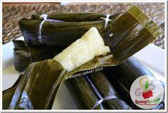 BUSOG! SARAP!: SUMAN (Steamed Sweet Sticky Rice Rolls)