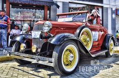 Colombia - Desfile Autos Antiguos Tuluá.