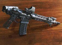 @iker42 The backpack gun finally got a new grip and hand stop. Lighter and cleaner. #arpistol #sidecharger #ar15buildscom #sbr #ar15 #guns #gundose #gunsdaily #2a #nfa #igmilitia #gunporn #rifle #pewpew #weaponsdaily #556 #gun #tactical #suppressor #pistol #sickguns #pewpewlife #2ndamendment #magpul #pewpewpew #firearms #nfafanatics #gunsofinstagram #gunchannels