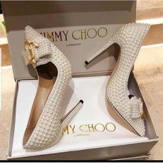Items available in stock ____ Dm or ____ Home delivery is allowed ____ PAYMENT METHOD Western union/money gram/(bank transfer) ____ Worldwide delivery via FedEx or DHL View and buy and be happy 😂😂 what you see is exactly what you get 👌 authentic Unique Wedding Shoes, Pink Wedding Shoes, Designer Wedding Shoes, Bridal Shoes, Pretty Shoes, Beautiful Shoes, Cute Shoes, Me Too Shoes, Dream Shoes