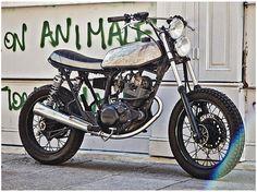 Jambon Beurre Motorcycle. Yamaha SR 125 Custom. French garage