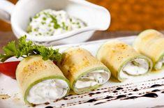 Рулетики из кабачков с разными начинками бывают овощными, мясными, сырными. Это одна из лучших закусок на праздничный стол.