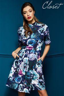 Kwiatowa sukienka Closet ze stójką