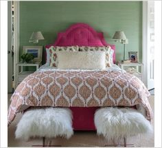 Lee Ann Thornton - Gorgeous bedroom features green grasscloth papered walls and ceilings clad in Glam Grass by Philip Jeffries framing an arched button tufted hot pink headboard upholstered in Raoul Textile Chunari Fabric. Beautiful Bedroom Designs, Small Bedroom Designs, Beautiful Bedrooms, Beautiful Homes, House Beautiful, Bedroom Themes, Bedroom Colors, Bedroom Decor, Bedroom Ideas