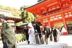 上賀茂神社(プロデュース会社 京鐘 想い出結婚式) 結婚式場写真「本殿へご参拝」 【みんなのウェディング】