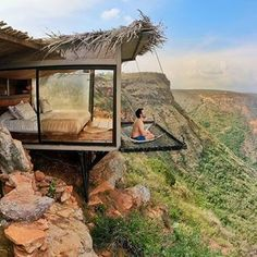 """The view from this hotel room in Colombia with a suspended """"balcony"""" is . - The view from this hotel room in Colombia with a suspended """"balcony"""" is unreal – – # suspended - Casas Containers, Tree House Designs, Best Hotels, Future House, Architecture Design, Architecture Fails, Architecture Definition, Security Architecture, Computer Architecture"""
