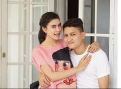 Tak Hanya Natasha Wilona Dan Stefan William, Syahnaz Sadiqah Dan Juan Christian Warnai Kisah Cinta Teromantis 2015 | Kabarmaya.com