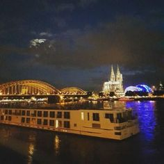 When the night has come and the city is dark. #Cologne #Rhine...