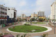 Galería de Plaza 31: un nuevo espacio público en San Isidro, Lima - 1