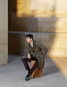 More of Yoo Ah In for Esquire Korea's December 2015 Issue | Couch Kimchi
