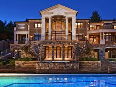 #SummerMansions #MANsionCrushMonday Tricked out mansions .