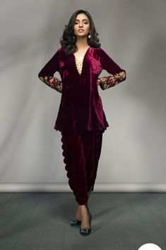 Roll out in luxury and style with this luxe velvet number! - Velvet fabric shirt and tulip shalwar. Pakistani Fashion Casual, Pakistani Outfits, Indian Outfits, Indian Fashion, Velvet Pakistani Dress, Pakistani Dress Design, Indian Designer Outfits, Designer Dresses, Velvet Dress Designs