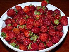 Jahody, jahody, jahody. Domácí jahodová marmeláda, kompot, pečené jahody a další recepty | | MAKOVÁ PANENKA