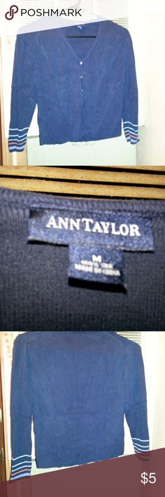 Womens Ann Taylor Sweat Shirt Sz M Actual Pictures of   Womens Ann Taylor Sweat Shirt Sz M       Make an OFFER - I will either say YES or make a counter offer.  Products are in Excellent Condition & Free of Dirt, Holes, Rips or Stains. Ann Taylor Tops Sweatshirts & Hoodies