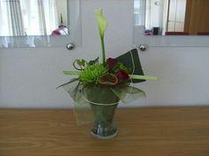 F v Geenen Glazen vaas met organza, calla, rozen en chrysant, cursus 22 april.