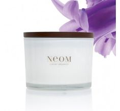 The original NEOM must-have, our natural wax candles contain the highest quality essential oils and are available in all five of our wellbeing treatment ranges. No synthetic fragrances! Organic Candles, Natural Candles, Luxury Candles, Home Candles, Aromatherapy Candles, Pure Essential Oils, Burning Candle, You Are Awesome, Pure Products