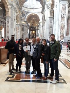 Can you think of a better place to take a photo? Our guide Davide took this photo with our clients during their Vatican tour on October 24th! For more information on our Vatican Early entrance tour:www.livitaly.com/tour/early-entrance-vatican-small-group-tour/?src=pinterest