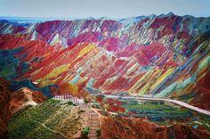 Rainbow Mountains of Zhangye Danxia (Credit: Huffington Post