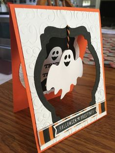 Fancy Handmade Cards Halloween card with hanging ghost .- Fancy Handmade Cards Halloween card with hanging ghost - Dulceros Halloween, Handmade Halloween Cards, Cricut Halloween Cards, Halloween Paper Crafts, Fall Cards, Holiday Cards, Invitation Halloween, Cricut Cards, Stampin Up Cards