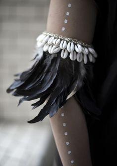 feather & seashell armband