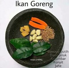 Ikan goreng Kitchen Recipes, Cooking Recipes, Indonesian Cuisine, Western Food, Homemade Spices, Simply Recipes, International Recipes, Cooking Time, Asian Recipes