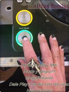 Hybrido Miti y Miti Nude y Negro!!! MegaBrillante Dale Play a tu dia con las uñas bien hechas!
