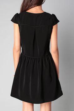 Robe noire fluide Gada Clo&Se by MonShowroom en promotion sur MonShowroom.com