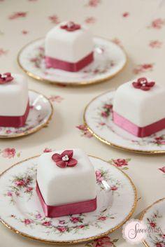 Hydrangea Mini Cakes