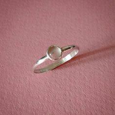 Anillo de plata con cuarzo rosa - Joyas CM