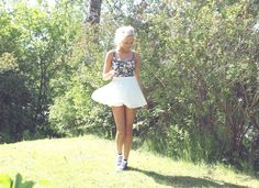 Floral top + white skirt + navy Converse = perfect summer outfit.