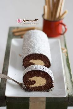 Receta de Brazo de Gitano de Chocolate y Turrón - My Karamelli Cake Roll Recipes, Dessert Recipes, Delicious Dinner Recipes, Yummy Food, Plum Cake, Sweet And Salty, Something Sweet, Christmas Desserts, Yummy Cakes