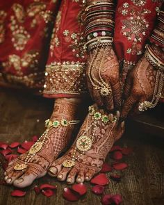 Indian Wedding, Wedding Ceremony, Bride, Bridal Jewellery, Traditional Jewellery, Rajasthani Jewellery, Hand Jewellery, Pearl Studded, Rajput bride, Payal, foot jewellery Mehndi Simple, Simple Mehndi Designs, Mehndi Designs For Hands, Mehandi Designs, Tattoo Designs, Leg Mehndi, Legs Mehndi Design, Beautiful Mehndi Design, Mehendi