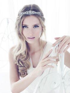 Beleza Noiva: Penteado com Coroa/Tiara « Noiva Nova   Blog de Casamento