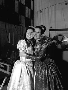 Bailee Madison and Lana Parrilla behind the scenes of Once Upon a Time