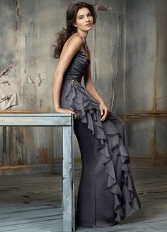 Would be a GORGEOUS style for a bridesmaids dress but beautiful modeling