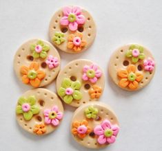 Items similar to Button Tiny Citrus Flowers handmade polymer clay inch buttons ( 6 ) on Etsy Cute Polymer Clay, Polymer Clay Dolls, Polymer Clay Miniatures, Polymer Clay Projects, Diy Clay, Handmade Polymer Clay, Polymer Clay Jewelry, Clay Crafts, Sugar Rush