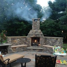 31 Fabulous Outdoor Fireplace Ideas You Should Copy Now - Are you interested in an outdoor firepit? An outdoor fireplace can be an amazing attraction on your patio, or use anywhere in the yawn. Outdoor Fireplace Patio, Outdoor Stone Fireplaces, Outside Fireplace, Outdoor Fireplace Designs, Fireplace Modern, Fireplace Wall, Fireplace Ideas, Backyard Patio Designs, Patio Ideas