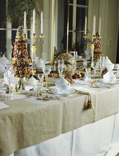 *THE ESSENCE OF THE GOOD LIFE™*: CHRISTMAS TABLESCAPES FROM ROYAL COPENHAGEN