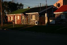 Río Gallegos, Santa Cruz, Argentina -casas construídas con durmientes de ferrocarril.