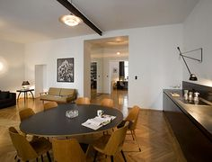 Curated interiors by Studio Architektury Arch Interior, Interior Architecture, Interior Decorating, Masculine Interior, Modern Interior Design, Modern Dining Room Tables, Dining Rooms, Dining Area, Dark Interiors