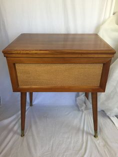 Beautiful Vintage Sears Kenmore Zigzag Sewing Machine With Hideaway Cabinet