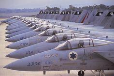 L'aviazione militare isreliana non compare più nella lista delle esercitazioni militari in Sardegna. Si teme possa rientrare come ospite della Nato