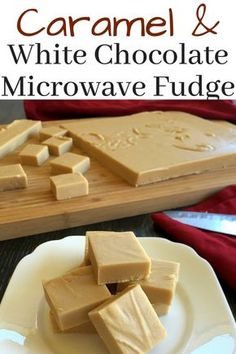 This delicious Caramel White Chocolate Microwave Fudge is so tasty and super quick to make! It takes less than 15 minutes to whip up! White Chocolate Fudge, Homemade Chocolate, Delicious Chocolate, Vegetarian Chocolate, Chocolate Tarts, Chocolate Fondant, Best Chocolate Fudge Recipes, Candy Recipes, Sweet Recipes
