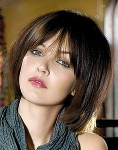 Medium Hairstyles – Pictures of medium hairstyles